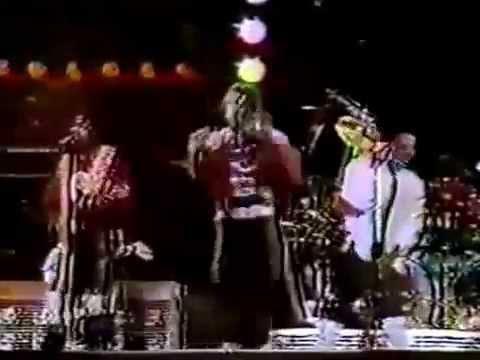Michael Jackson Eddie Van Halen Beat It Live 1984 Youtube