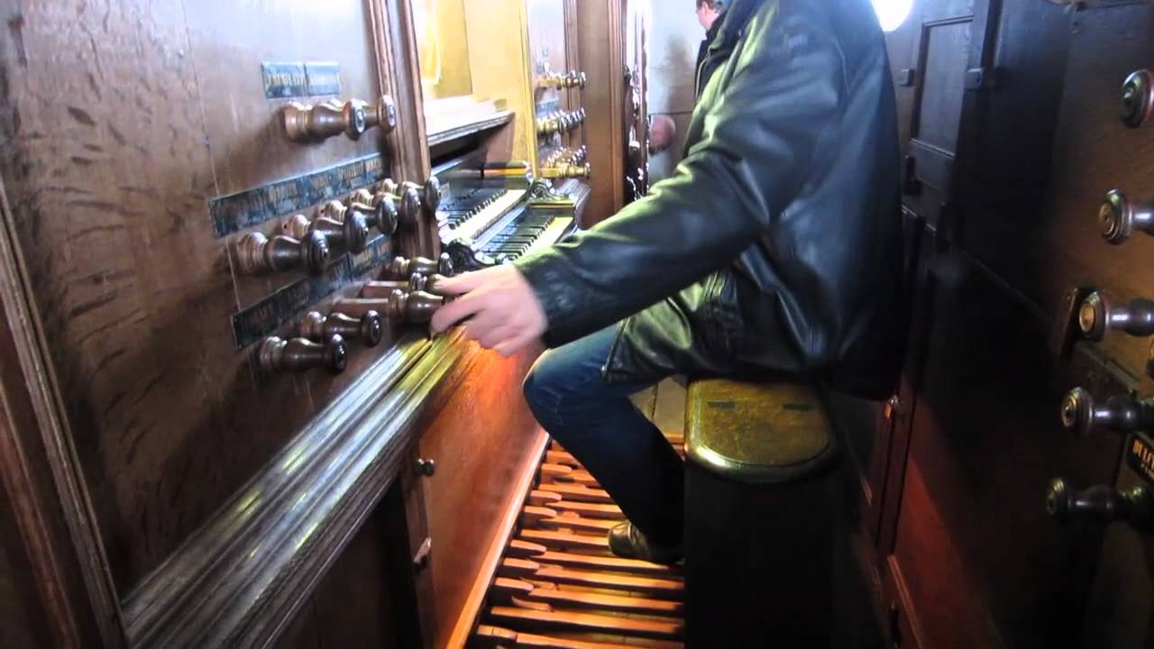 Impromptu masterclass in playing the baroque organ pedalboard