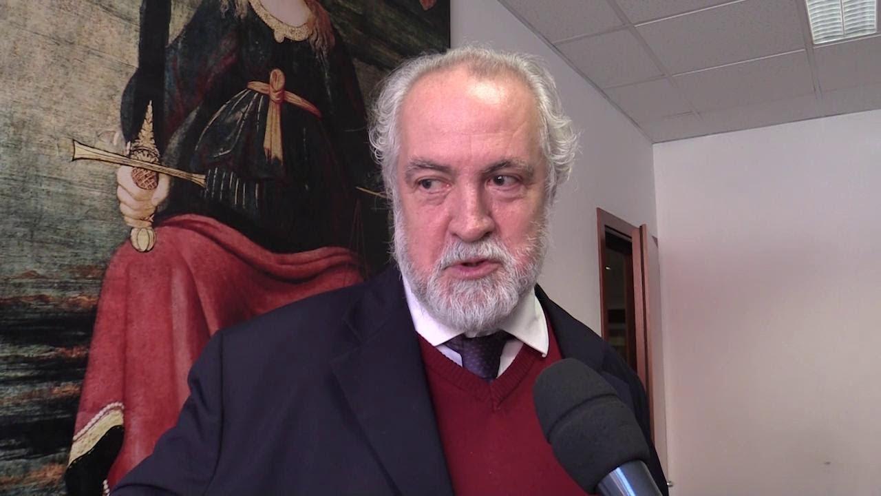migliori marche a basso costo promozione Caso Conte, la difesa del preside di Facoltà: