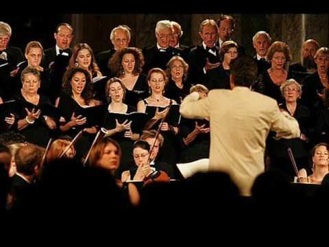 luciano-pavarotti-funiculi-funicula-islington2000