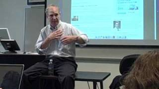 News and Observer editor Steve Riley speaks to Elon University students
