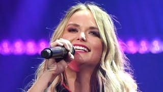 Download Miranda Lambert Covers Alan Jackson + Fans Flip Out Mp3 and Videos