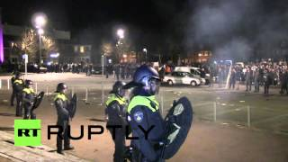 Netherlands: Violence erupts at mass anti-immigration demo over refugee centre