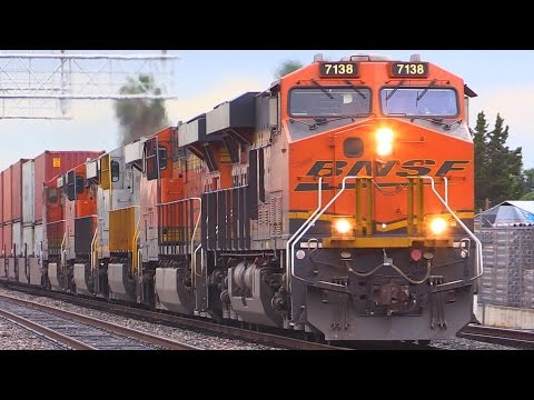 Thumbnail: BNSF FREIGHT TRAINS (with 7102 P5 HORN !!!)