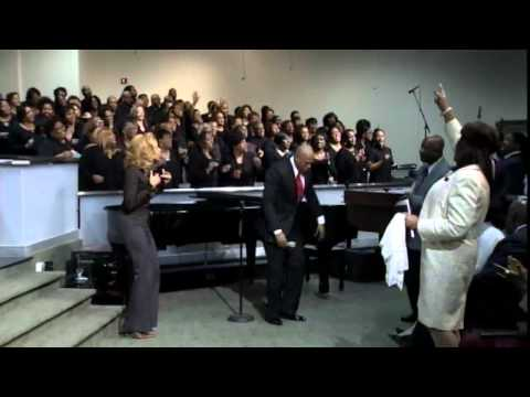 """I'm Looking For A Miracle"" United Voices Choir w/ Anthony Brown (Praise Break)"