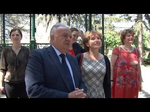 Gradonačelnik i veleposlanica posadili lipu u Petrinji