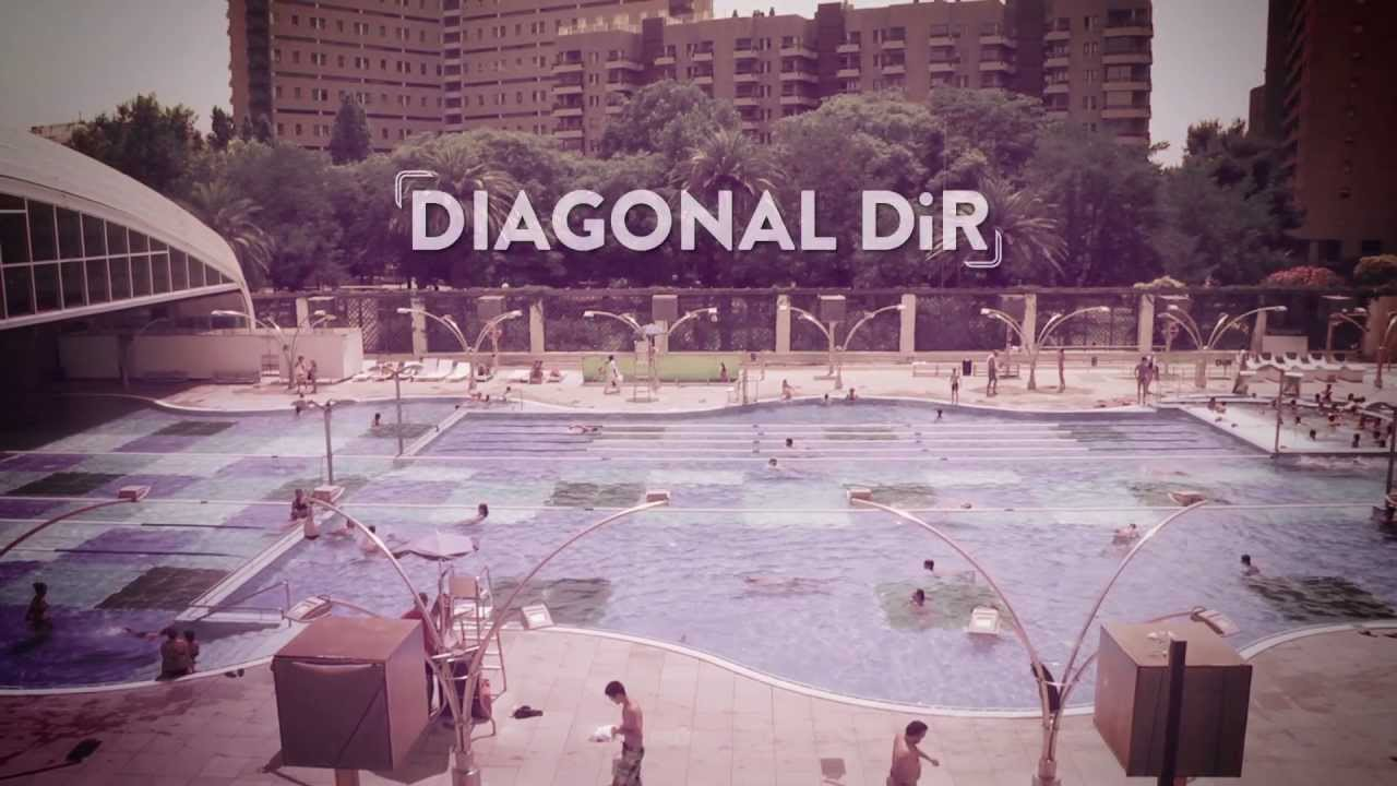 La piscina de dir diagonal un oasi a barcelona youtube for Dir diagonal piscina