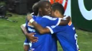 Golaço de Wallyson Estudiantes 0 x 3 Cruzeiro - Taça Libertadores 2011 13/04/2011