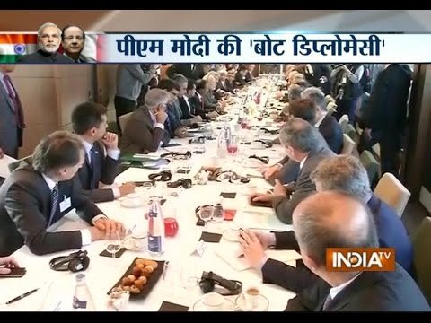 PM Modi Attends Round Table Conference with Infrastructure CEOs in France - India TV