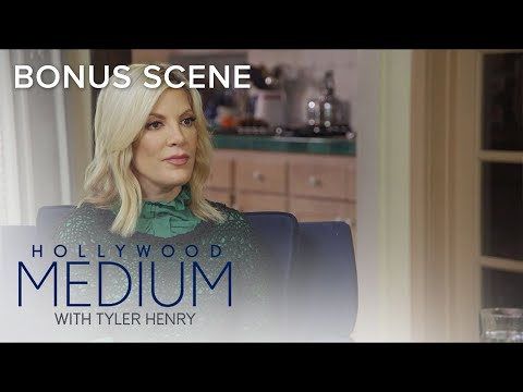 Tori Spelling Gets Closure Over Pet's Passing | Hollywood Medium with Tyler Henry | E!