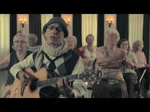 Zeca Baleiro - Calma Aí, Coração (Clipe DVD Calma Aí, Coração)