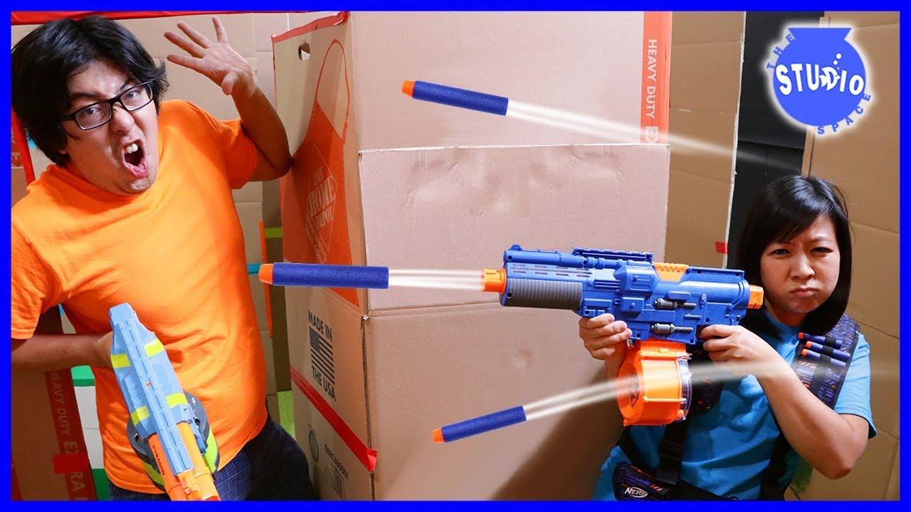 box-fort-maze-ultimate-nerf-battle-challenge-boys-vs-girls