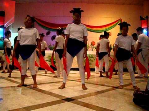 Interpretative Dance of 4th year St James SY: 2010...