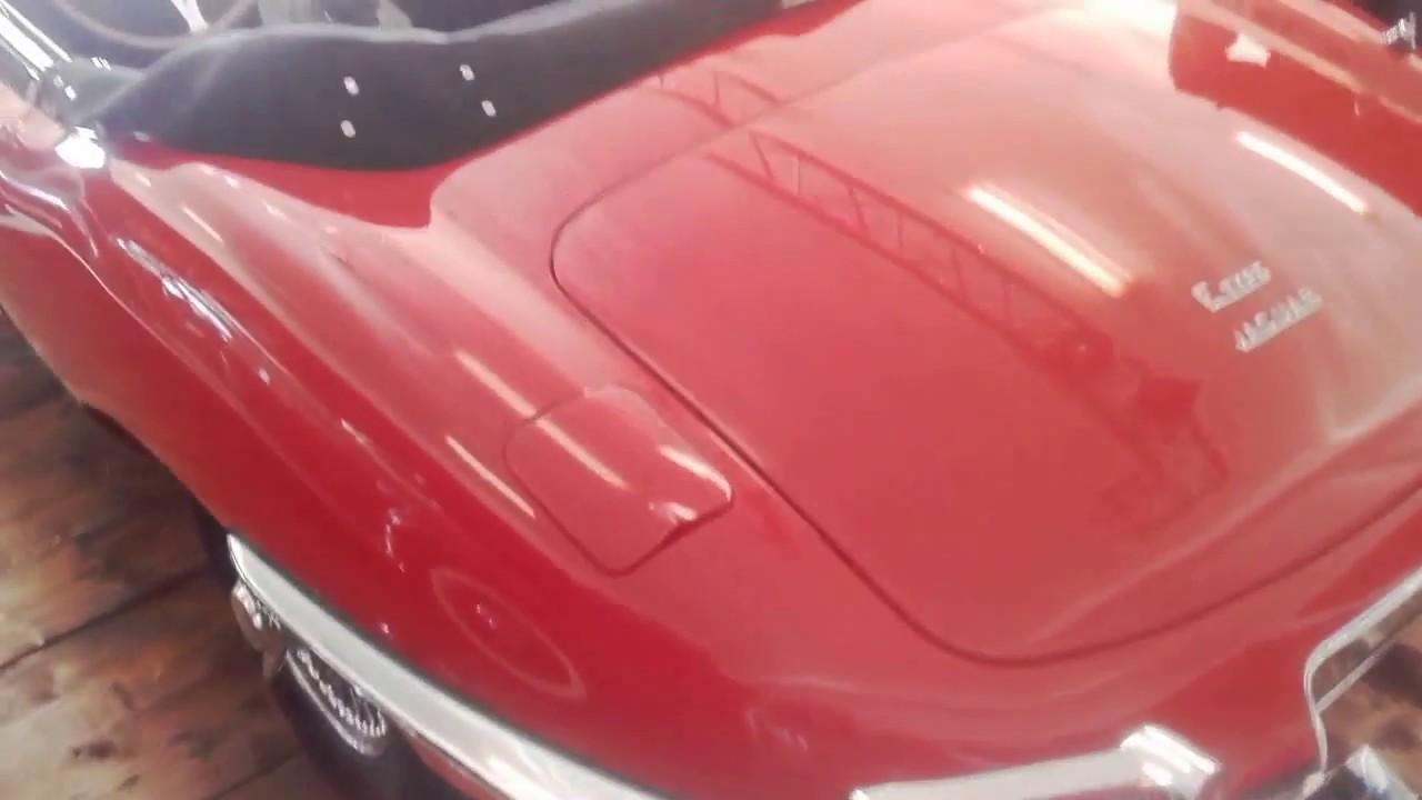 zabytkowy samochód jaguar e type s1 roadster 3.8 litra