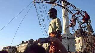 Spectacle Royal de Luxe 2014 le petit géant