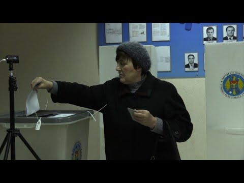 Moldova votes in divisive parliamentary election