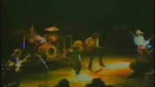 This one's also a rare concert footage (the same concert where Medi...