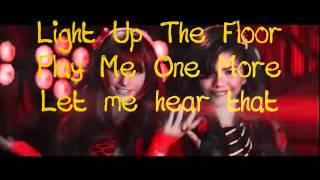 Bella Thorne & Zendaya - Watch Me (Shake It Up)