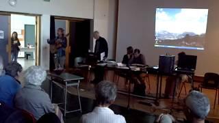 Scuola del Villaggio 04/10/14 Gino Mandarino ci porta le sue poesie in musica