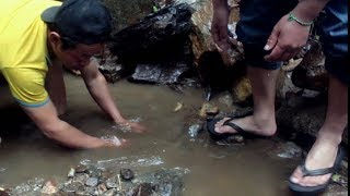 Hunting/fishing in the river into the hilly side of Nepal (FISHING TRAP-1 )