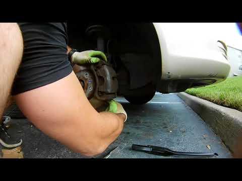 #75 Как поменять шпильки ступицы на переднем колесе (Toyota Camry)