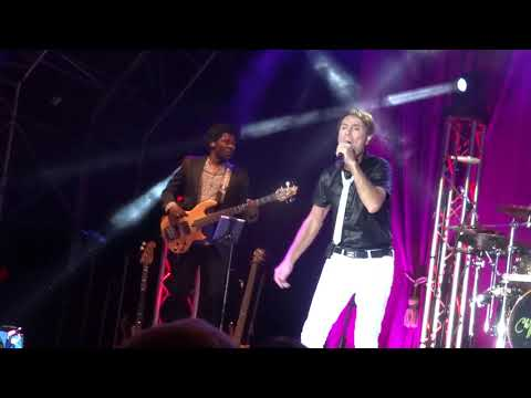 Cliff Richard - Royal Naval College - Sun - Its Gonna Be Ok