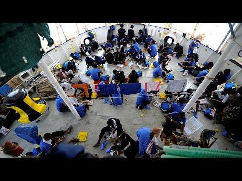 Portugal disponível para receber 30 migrantes retidos em Malta