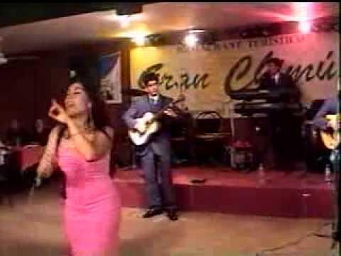 Show en vivo, Presentacion de Los Hermanos Castro xvid