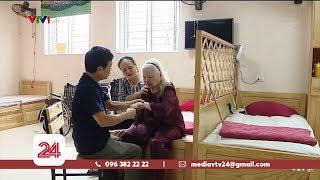 Tiêu Điểm: Đưa bố mẹ vào trại dưỡng lão nên hay không?   VTV24