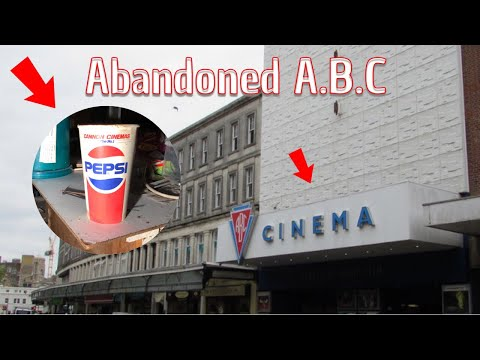 We Explore An Abandoned ABC Cinema & Find Loads!!