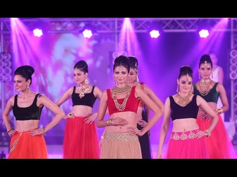 Fashion Shows In Bangalore Orion Mall | Kruthi Karbandha Latest Movie Trailer 2016