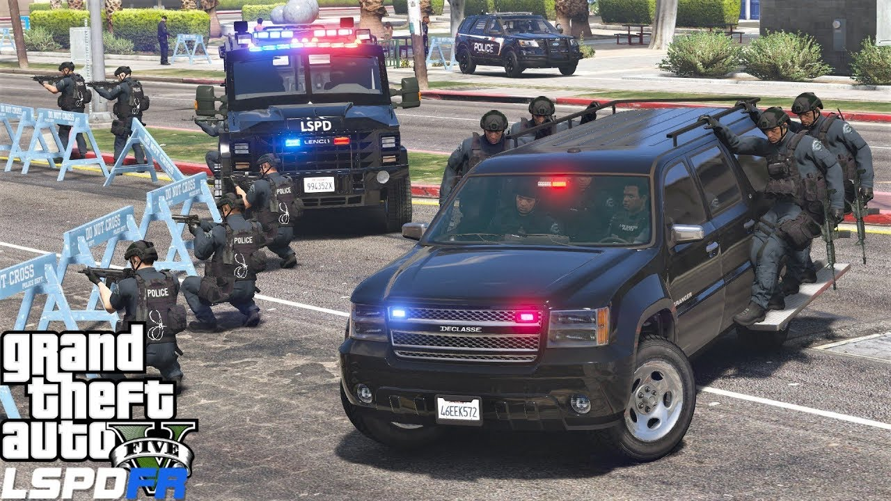 Download GTA 5 LSPDFR 0.4.1 #715 SWAT Responding To Police Station Attack While Hanging On The Side Of Trucks