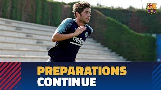 Training continued for the first team at the Ciutat Esportiva Joan Gamper.