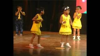 Kids dance for dadi amma at NIS