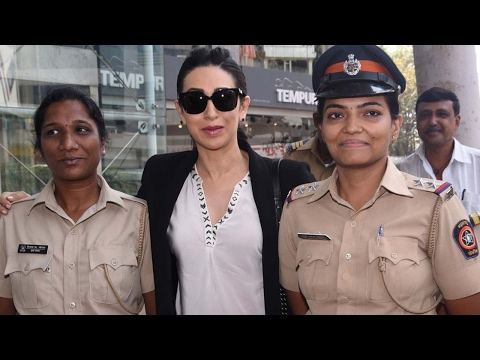 Karisma Kapoor At Grand Inauguration Of FLO Mumbai Magic Bazaar 2017