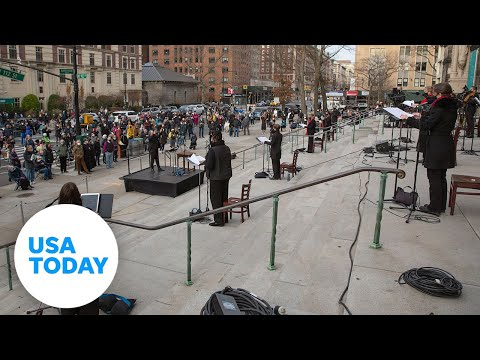 Police shoot gunman on cathedral steps after Christmas concert in NYC | USA TODAY