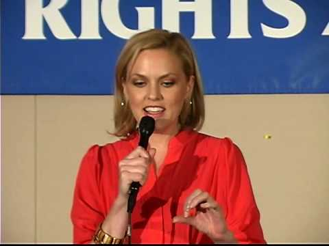 Elaine Hendrix receives In Defense of Animals Guardian Award at the 2009 Animal Rights Conference