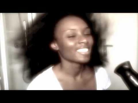 Comment faire un brushing sur cheveux naturels 2e partie blow out on natural hair youtube - Comment faire un brushing ...