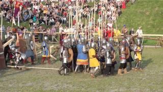 Мирский замок 2011(8,9,10 июля в Мирском замке Беларусь проводился первый исторический фестиваль. Место для феста просто замечат..., 2011-07-11T20:53:51.000Z)