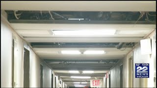 """Residents describe """"unsafe"""" conditions in Springfield apartment complex"""