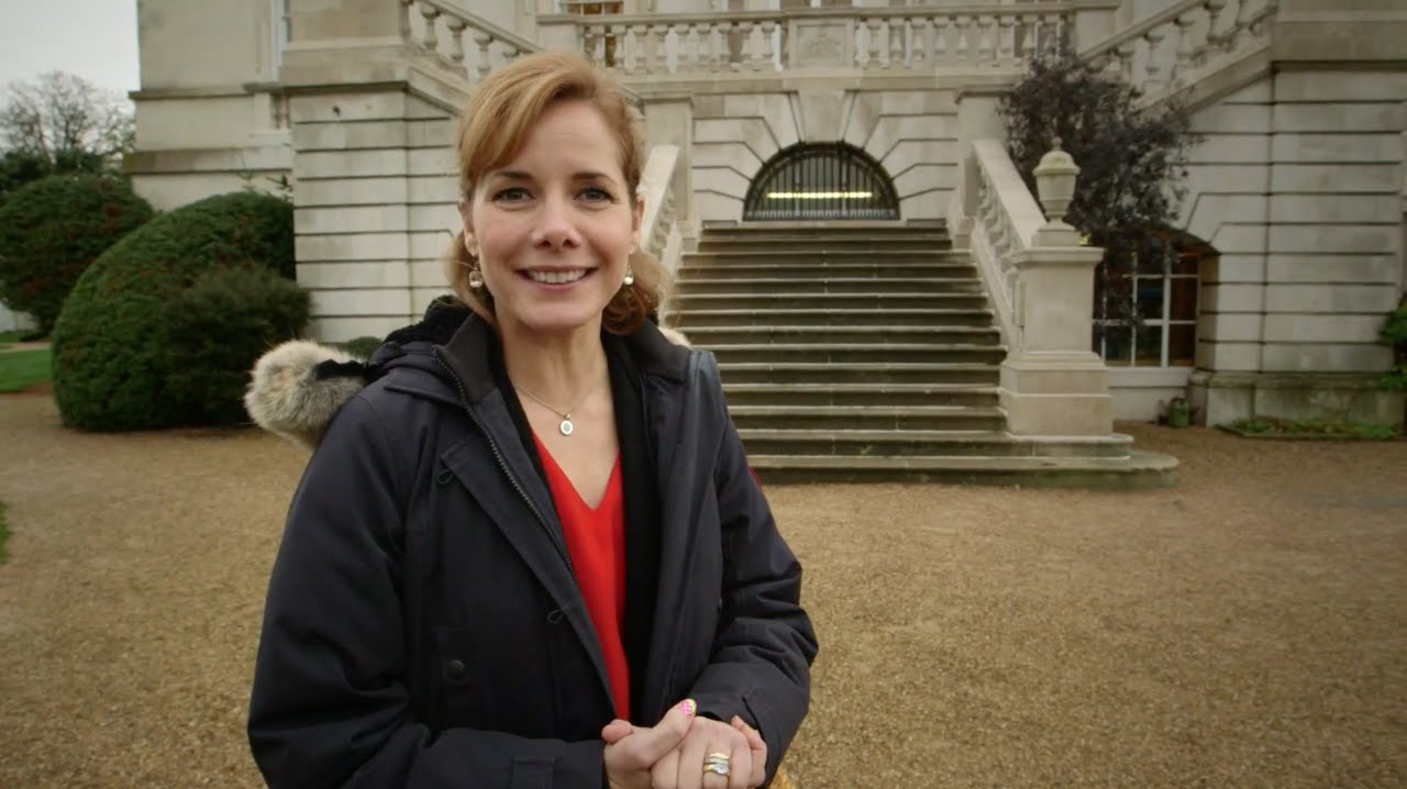 Darcey Bussell visits The Royal Ballet School during preparations for The  Nutcracker