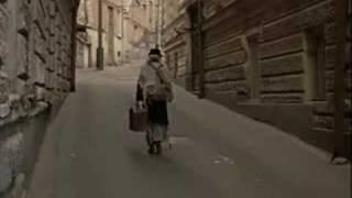 дорога к храму(Фрагмент из фильма «Покаяние». - скажите, эта дорога приведет к Храму ? - это улица Варлама. Не эта улица..., 2008-07-28T21:12:54.000Z)
