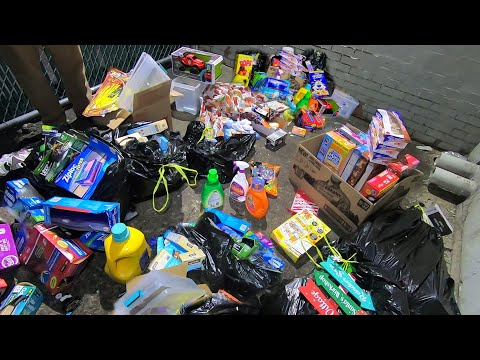 Dumpster Diving Dollar General For Free Stuff