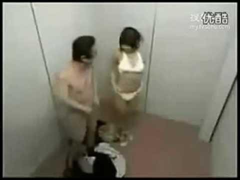 quay lén em teen làm !!!!!!!!trong thang máy