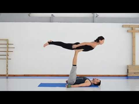 Акройога разминка, упражнения, растяжка и массаж