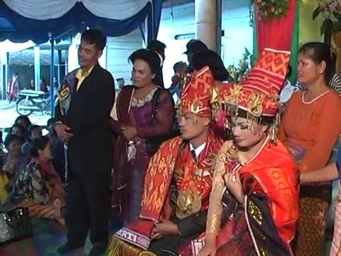 pesta pernikahan adat batak karo (Disc 4A)