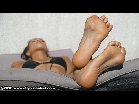 Lara - Barefoot Sunbath