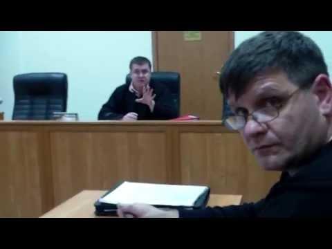 Proces la #Comrat ținut în limba rusă pentru polițist, avocat și grefieră