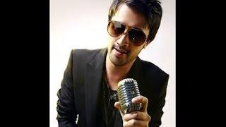 Atif Aslam singing old songs unplugged