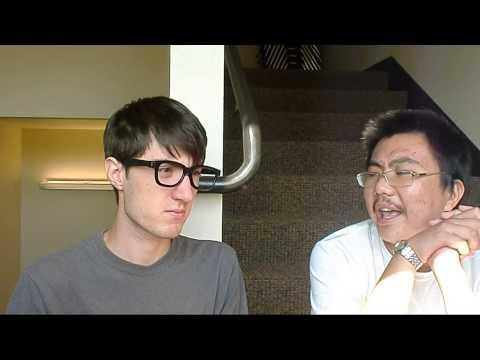 Tim Grant跟他的中国的朋友聊天
